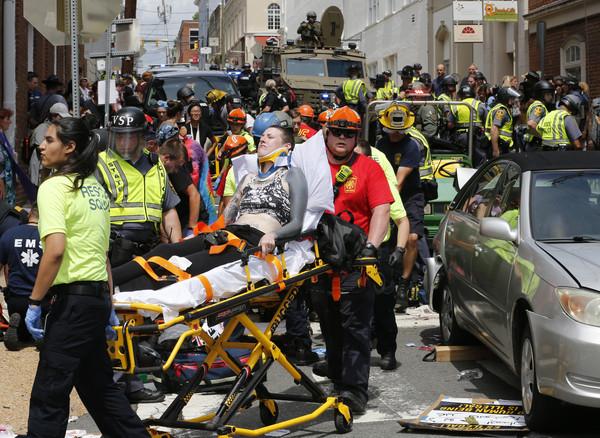 ▲▼美國維吉尼亞州遊行爆發衝突,其中20歲兇嫌詹姆斯(James Alex Fields Jr.)駕駛轎車衝撞人群,造成1死19傷。(圖/達志影像/美聯社)