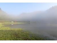 松蘿湖像披著薄霧的嬌羞少女!只在清晨撥開神秘面紗