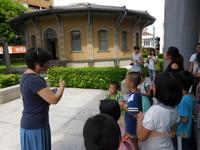 推廣環境教育終身學習 家扶親子參訪南市場域