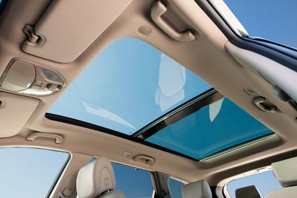 ▲開車還怕曬成黑炭?隔熱紙規格數值意義講明白。(圖/翻攝自Hyundai)