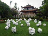 超萌!60隻白色小羊現身赤崁樓 成台南最新打卡點