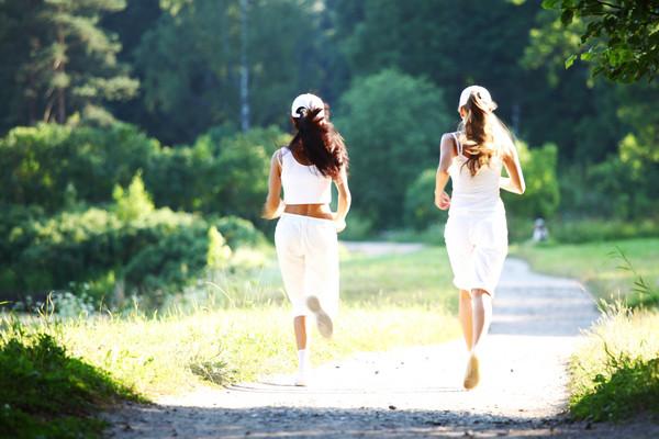 一天走一万步能健身?关键看速度 快走10分钟3次更有效