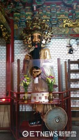 新竹都城隍廟,「大爺」謝將軍。(圖/記者陳俊宏攝)