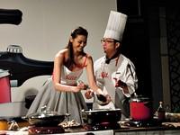林嘉綺入廚D奶險掉出 談「馭夫術」嬌嗔:最會烤雞!