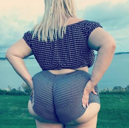 ▲▼瑞典哥特堡女模特兒娜塔莎(Natasha Crown)擁有190公分傲人臀圍。(圖/翻攝自IG/Natasha Crown)