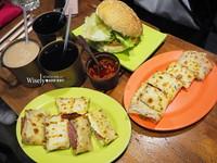 台北早餐店平價「脆皮蛋餅」 搭配獨特辣醬超對味!