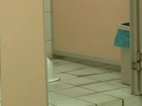 尾隨女教師廁所嘿咻遭解聘 高中已婚主任提告被打臉