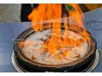 台中加滿整罐米酒的燒酒雞!蒜頭雞蛤蠣超級多
