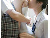 「女校的日常」不必在意男生眼光 扇子放在裙裡搧