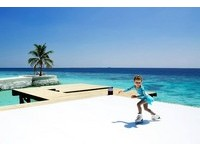 馬爾地夫第一間Villa推出水上溜冰場