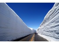 2018年最令人期待的期間限定美景立山黑部雪牆