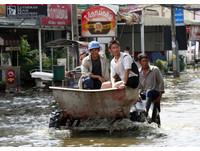 曼谷部分運河滿溢 泰國擔心周末暹羅灣大潮