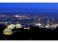 將日本最美夜景踩在腳下 10分鐘就能到的「空中玻璃屋」