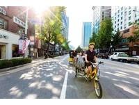 首爾新玩法「阿弟三輪車」 帥歐巴揮汗載你去熱點打卡