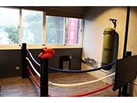 房間裡有城堡又有拳擊場!高雄瑞峰豐夜市旁的特色民宿