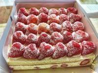 「爆多草莓蛋糕」高雄也有!舖滿大顆草莓佛心價供應