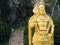百萬人朝聖神秘「黑風洞」 馬來西亞感受神秘印度教節慶