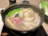湯底可以先試喝!台北平價雞湯火鍋加入白蘭地酒