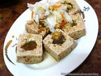 隱藏苗栗泰安山間的脆皮臭豆腐!山泉水製作超滑嫩