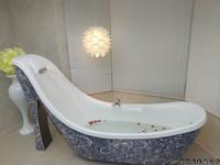 製造浪漫!桃園六星旅館奢華風高跟鞋造型按摩浴缸