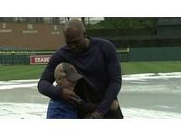 MLB/鬼打牆也可以溫馨 托瑞杭特與托瑞杭特玩傳接球