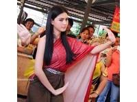 泰國嫩模黛薇卡因演出《淒厲人妻》爆紅。(圖/翻攝網路)