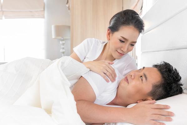 Couple, sleep, both sexes. (Figure / Da Zhi / Schematic)