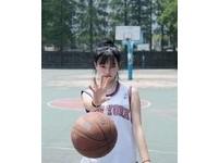 武漢大學女學生黃燦燦,被網友稱為「武大女神」。(圖/取自網路)
