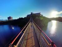 朝聖爸媽約會老派景點!新竹「細茅埔吊橋」徜徉湖光山色