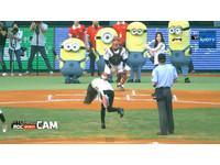 少女時代徐玄試打 太妍開球臂力超強一秒變貞子