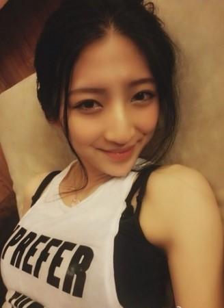 ...孙佳雨她是来自陕西安的美女微博昵称「范范子小cake」、...