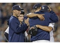 MLB/與李維拉感動相擁 基特卻恐遭處罰