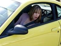 駕訓班多收費歧視女學員 法官判無罪:女生開車就很糟