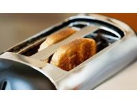 嬌妻拒絕行房 美男惱羞拿「烤麵包機」打爆她頭