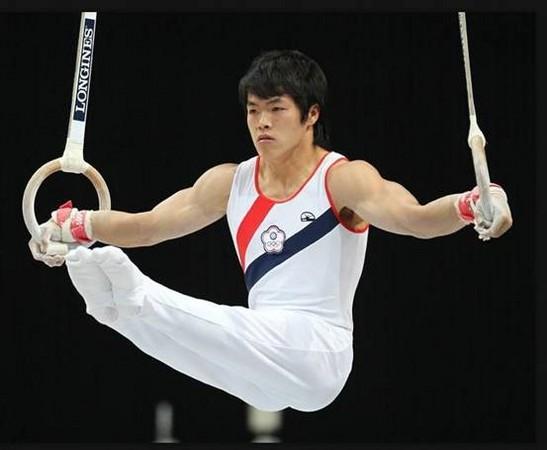 陳智郁奪東亞運體操吊環金牌。(圖/擷自宜蘭縣政府網站)