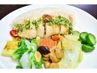 午餐食客/就是只賣「海南雞飯」 肉質滑溜人氣滿點