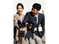 柯念萱率師弟挺進好萊塢《變形金剛4》客串演記者