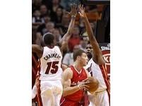 NBA/熱火查默斯攻擊葛瑞芬喉部 遭罰1萬5美元