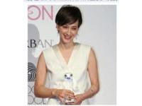 「最美混血主播」瀧川雅美撇性愛醜聞 奪最佳衣著獎