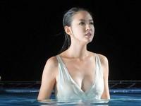 「世界小姐」張梓琳濕身秀渾圓D奶 出水照吸爆眼球!