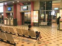 台南火車站強迫推銷逼瘋旅客 3打工學生被函送
