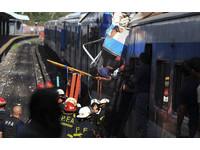 滅! 阿根廷通勤列車出軌 50死近700人受傷!