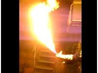 現實版東尼史塔克?鋼鐵人粉絲自製「火焰發射手套」