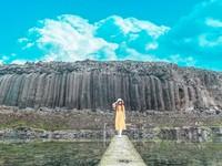 澎湖西嶼2大私房夢幻場景 超壯觀池西岩瀑、在純白小橋看藍色琉璃海
