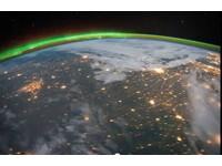 外星人眼中的地球?國際太空站拍下「大氣輝光」之美