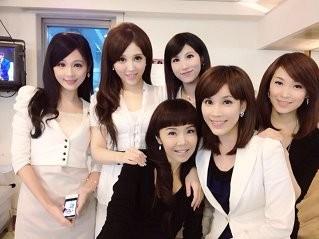 中天六正妹主播首度合合體上節目