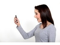 未婚夫前女友陰魂不散 妒女替她在交友軟體註冊