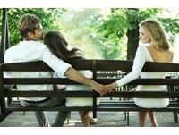 已婚男警外遇前女友 互傳慾照「空中合體」溫存三百回