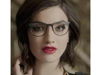 維珍空姐戴谷歌眼鏡服務 不用貴客開口就知需求