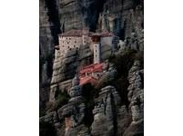 希臘「空中修道院」 讓人屏息的絕世奇觀